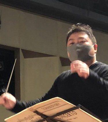 鎌響練習を指揮する和田